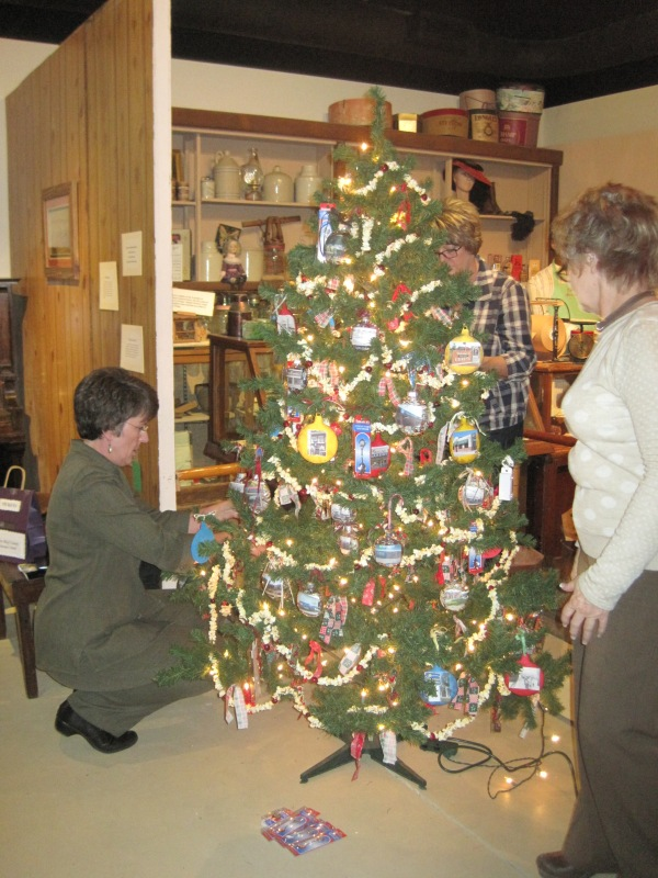 2012_11_29 christmas tree contest 041